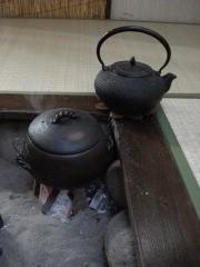 囲炉裏でご飯