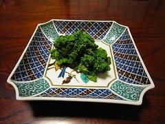 近所の直売所で100円(!)の菜の花。
