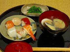 皿:幸兵衛窯/雑煮椀:末広松沈金 会津塗/向付:母、の作