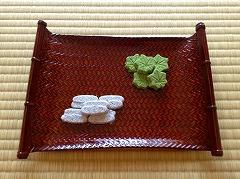 干菓子・その2→http://soujinboku.tea-nifty.com/marimo/2006/03/post_3c63.html